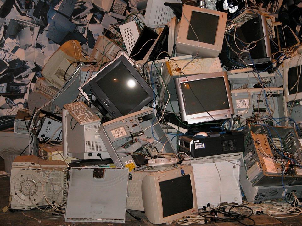 La importancia del reciclaje electrónico para cuidar la Tierra