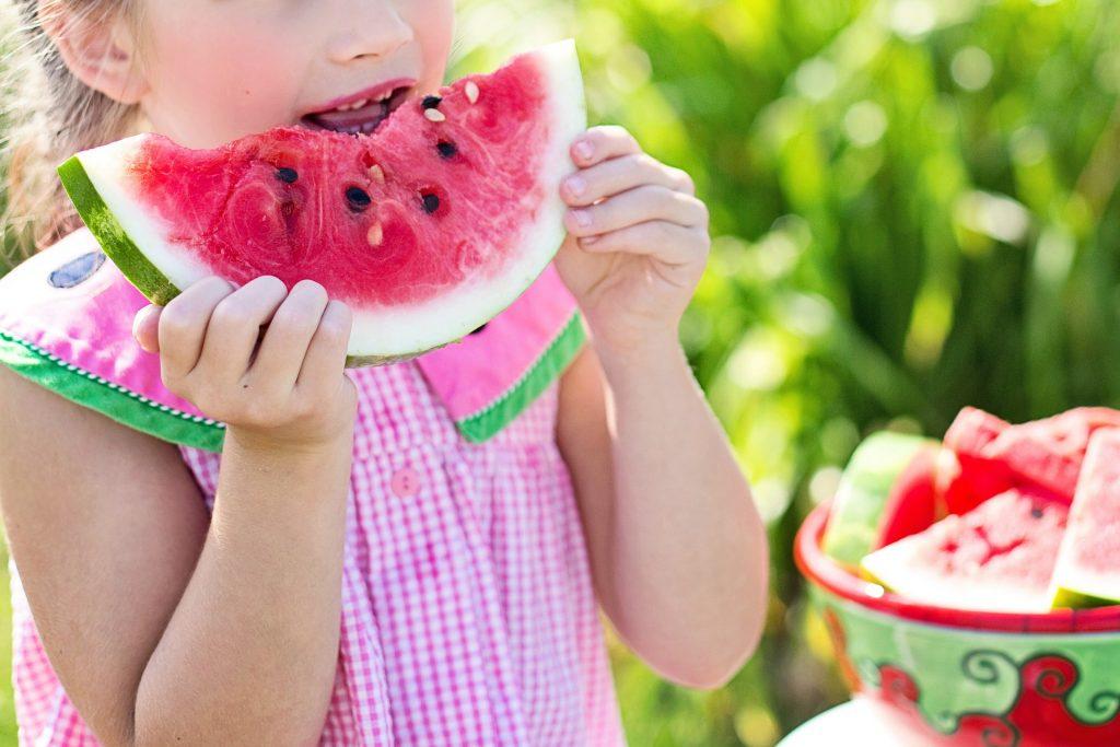 La importancia de la alimentación y el deporte para que los niños crezcan felices y sanos